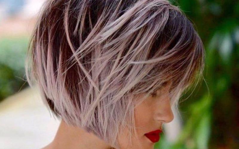 Tagli capelli medi 2021/2022: linea bob e carré